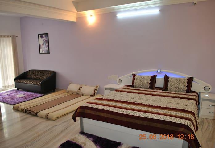 Luxurious Jain Villa Room's