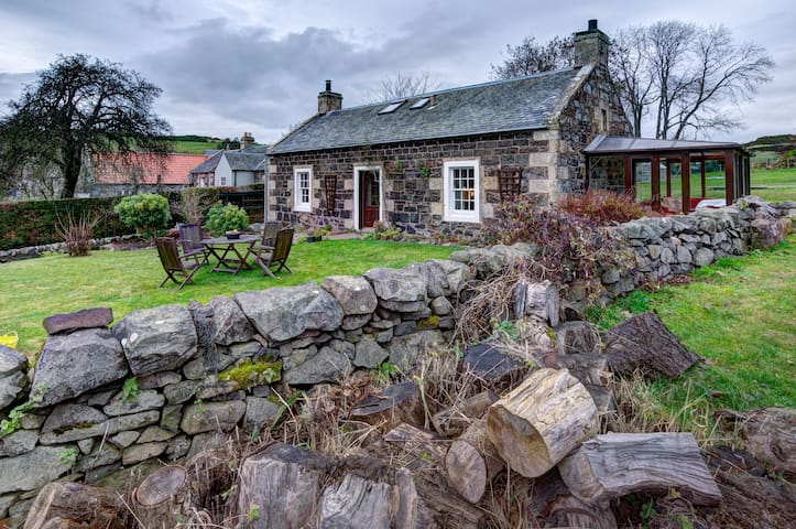 Delightful Country Cottage - Cupar - Casa