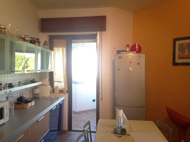 Apartment in Brindisi Casale nearby UN base - Brindisi - Lägenhet