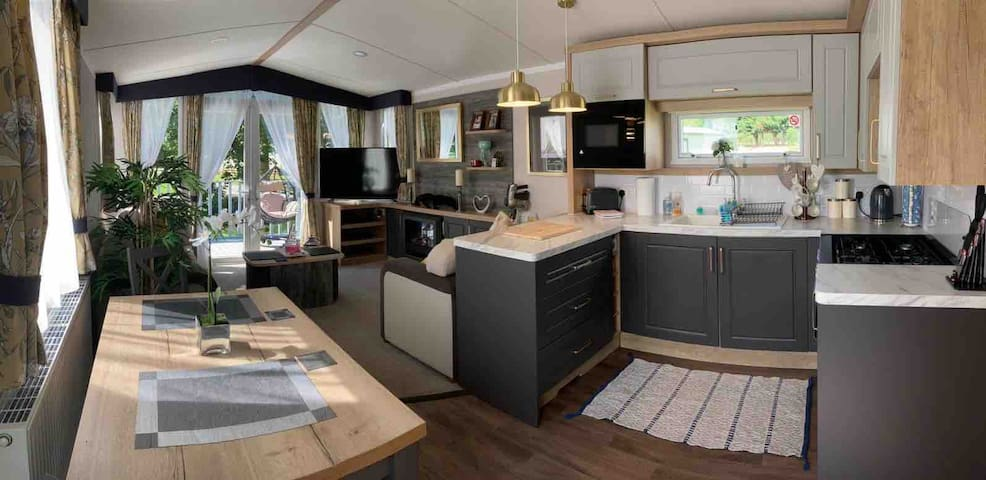 Ultra modern static caravan with hot tub