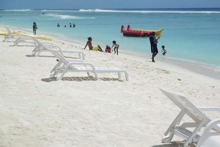 Romantic stay Just 3 minute's To Beach walkaway