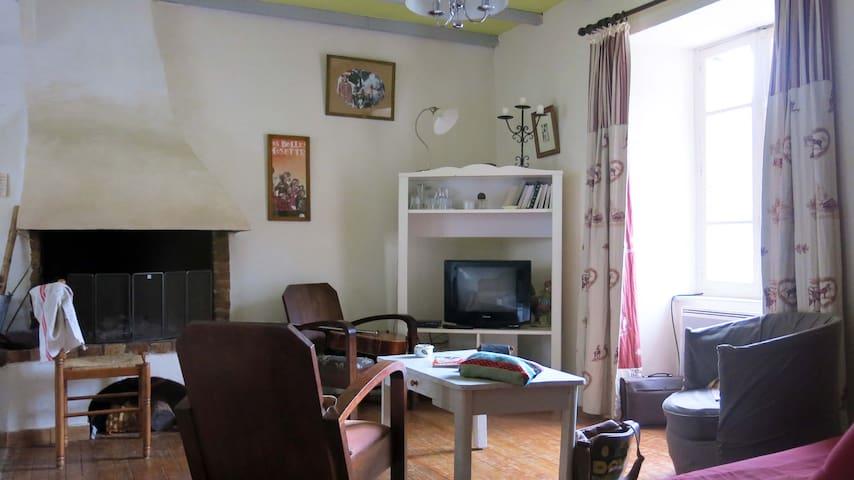 Maison chaleureuse pour 6 personnes - cheminée - Vignec - Casa