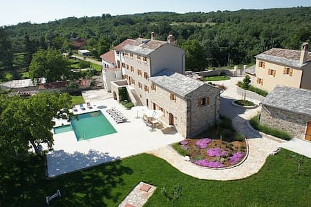 Luxury Istrian Villa with Pool - Grožnjan