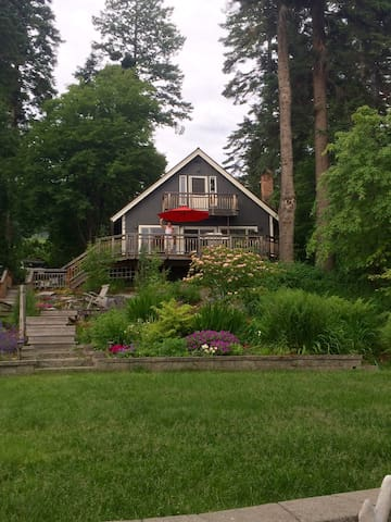 One of Kind Cottage, pristine Lake Frontage!