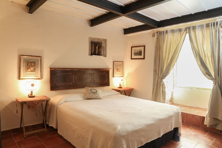Room in ancient stone tower in Leonidion - Leonidio - Casa