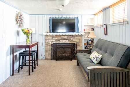 Richfield Haven! Private 2 room lower level suite.