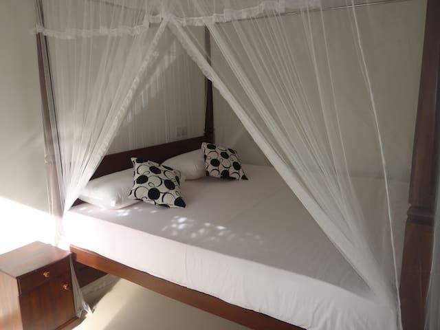 New Jaya Villa Room 2