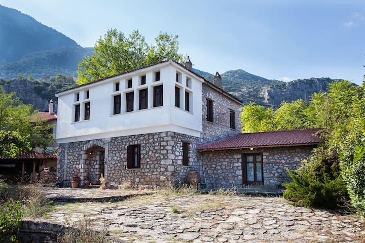 Picturesque Villa in Parnassos!