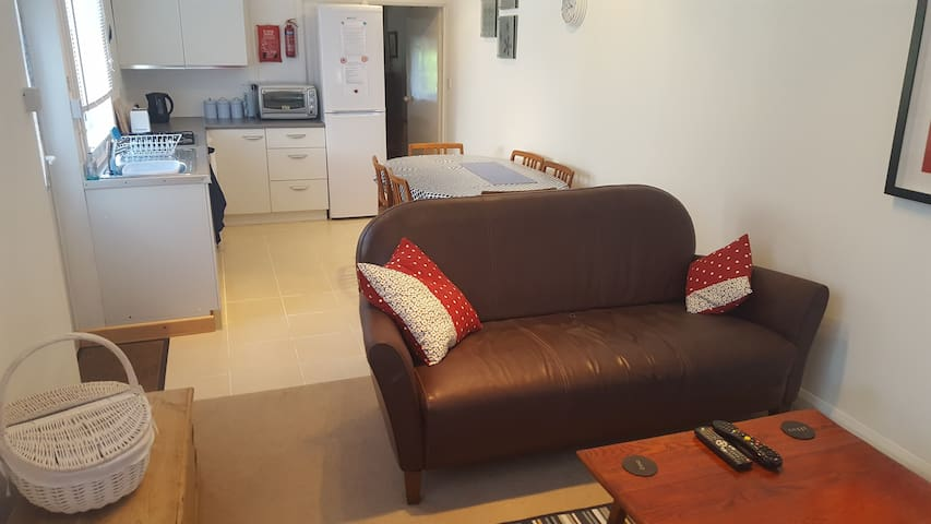 Spacious One Bed Cosy Flat