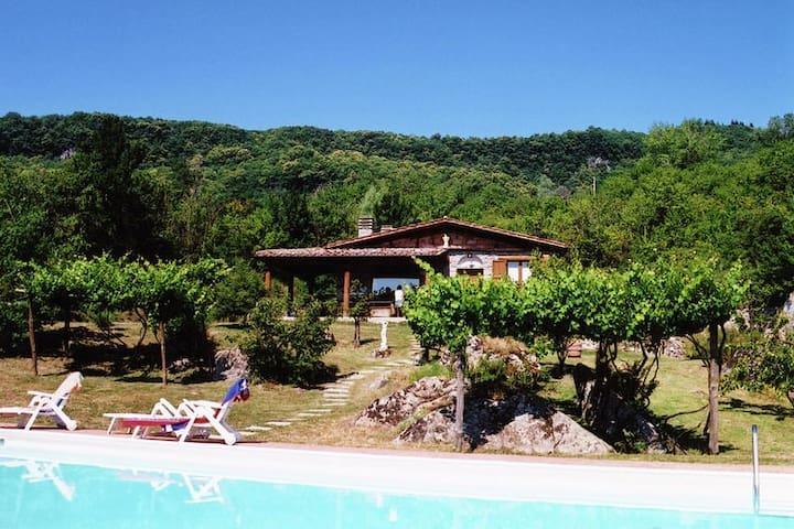 Casale con piscina privata sull'Amiata