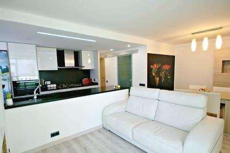 Apartamento con piscina comunitaria - Arenys de Mar - อพาร์ทเมนท์