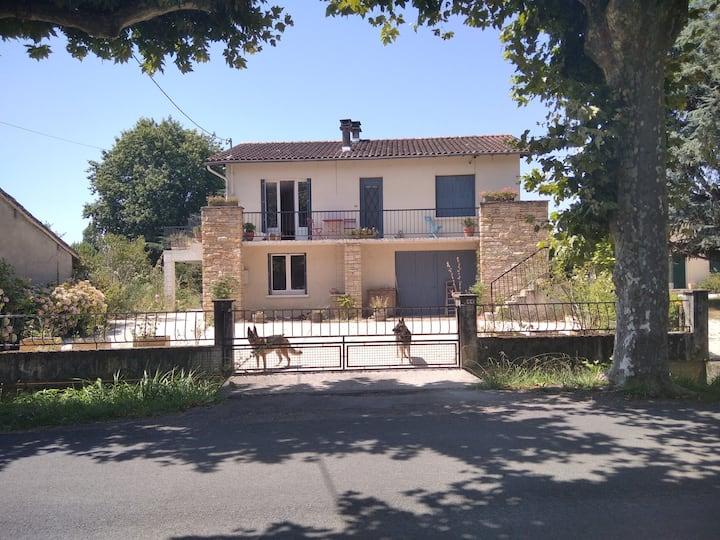 South France Village 4-Bed House L'Isle-en-Dodon