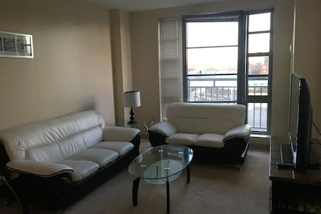 Trendy Apartment in the Middle of it All - Medford - Apartemen