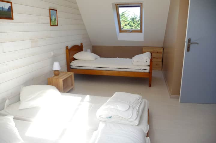 House with 3 bedrooms in Sauzon, with furnished garden and WiFi - 2 km from the beach
