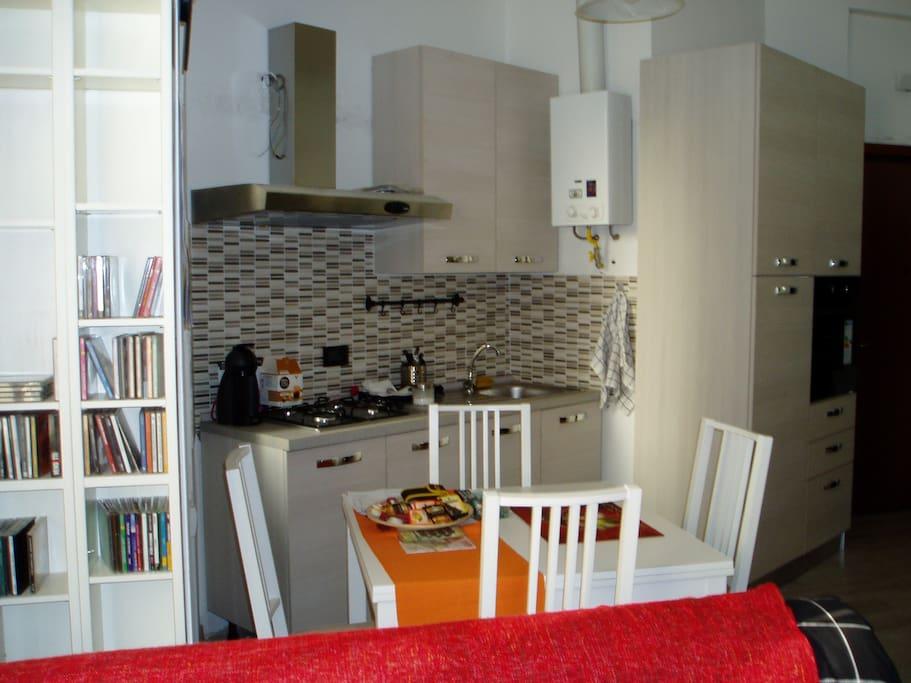 Monolocale arredato lofts louer milan lombardia italie for Studio arredato