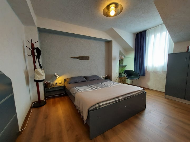 18 Central *200m to lake/square+free parking+view*