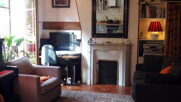 2-room apartment in Parisian style, 11 arr.