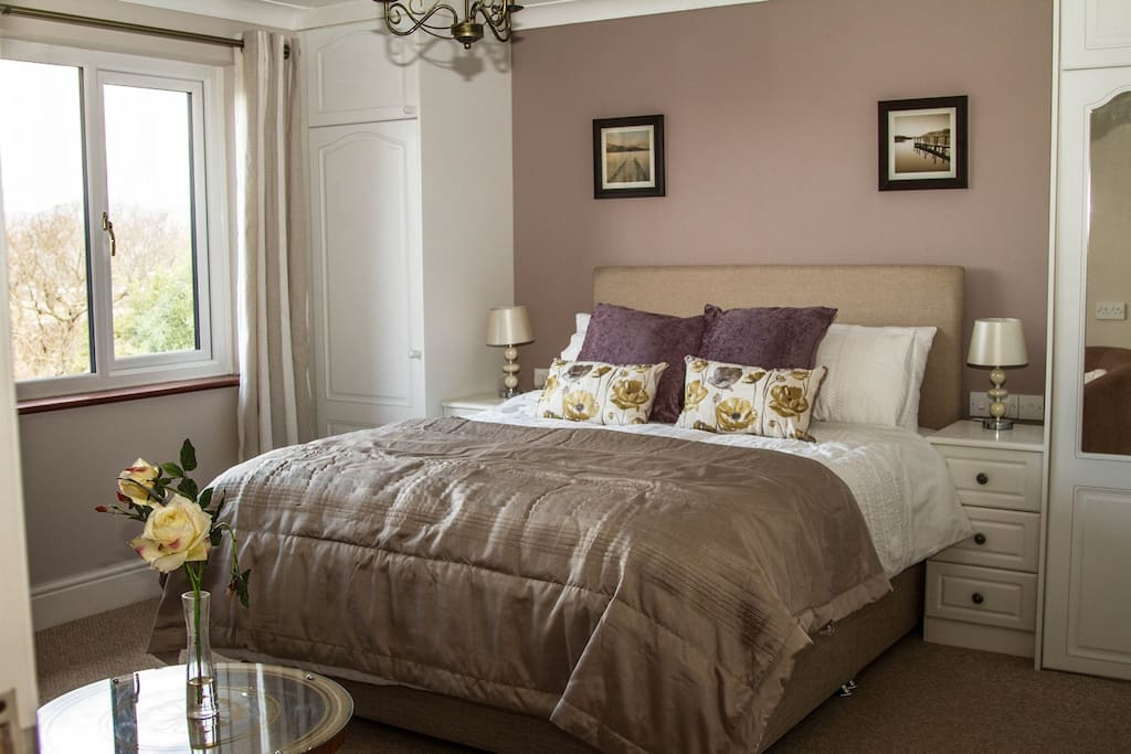 Ferlas Bed and Breakfast - Bed and breakfasts for Rent in Penrhyndeudraeth, United Kingdom