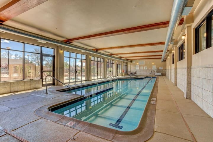 Family Adventure! 2 Queen Unit, Indoor Pool