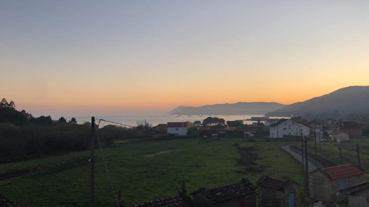 Preciosa Villa con vistas al mar. Abelleira, Muros