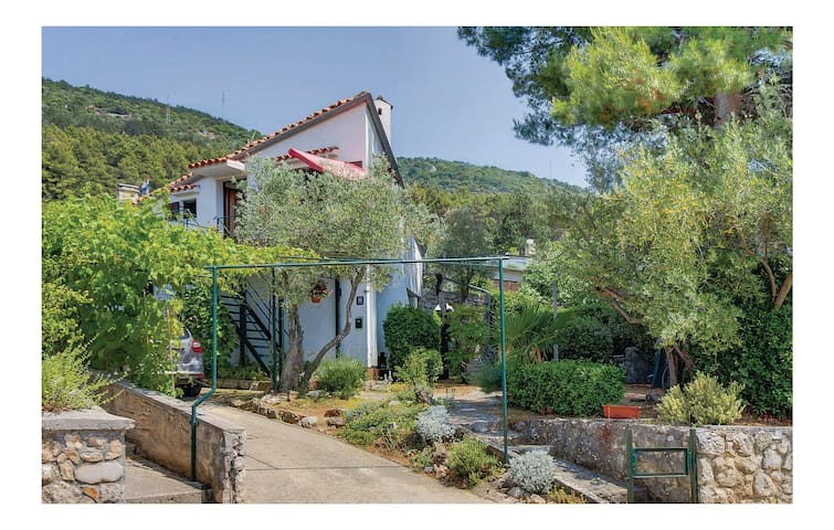 Holiday apartment with 2 bedrooms on 53m² in Cres