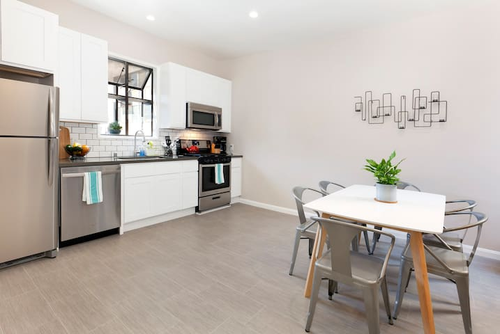 Big and bright SOMA 3 bedroom on historic alley - San Francisco - Apartment