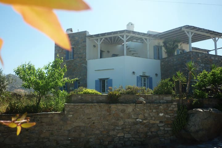 Volax, Tinos, a quiet and cozy apartment . - Volakas - Leilighet