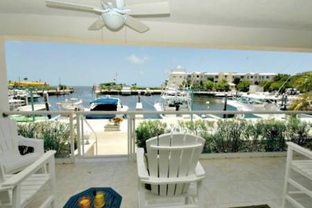 Chic marina front villa! - Key Largo