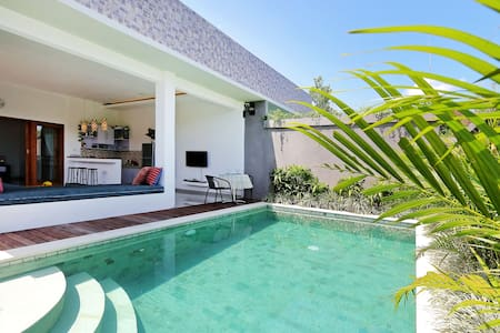 Lovely 1BR Villa near Red Carpet Seminyak - Kuta