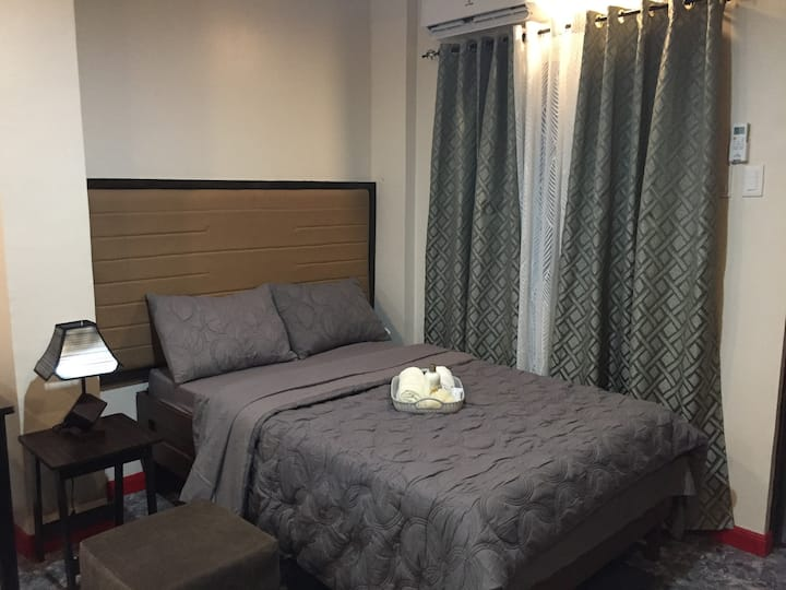 Mirasol Residences, Room 1 (Albay themed room)
