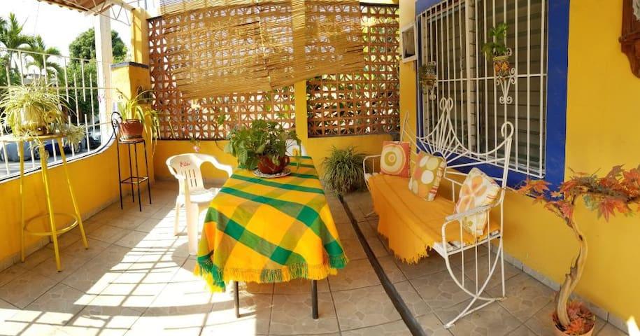 Casa Lima, cerca de la playa,  A/A en 2 recámaras