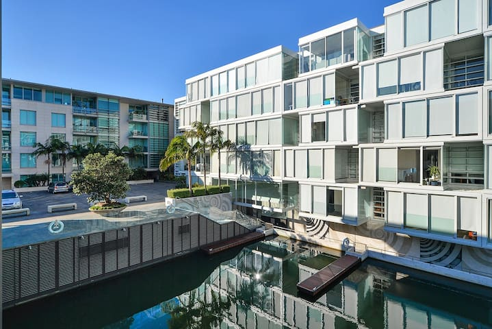 Two Bedroom Lighter Quay Apartment
