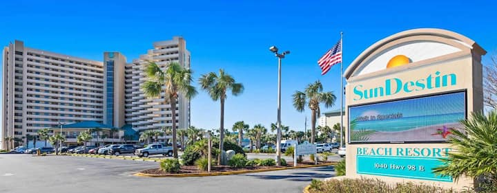 1 bed/ 1.5 bath BEACH FRONT 6th floor resort condo