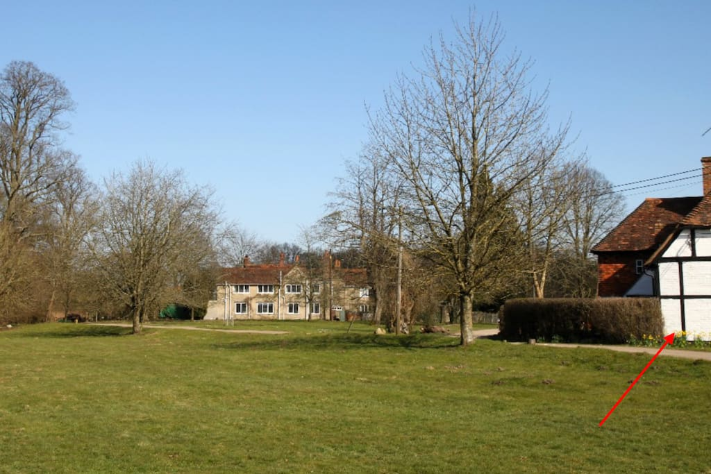 Total peace in a beautiful rural location,  a short drive from Henley, Marlow and Reading