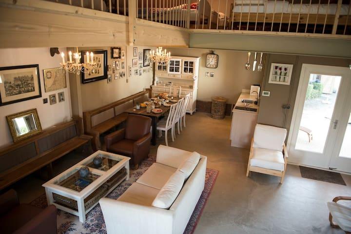 B&B Logeren bij van Heeren - Wagenberg - ที่พักพร้อมอาหารเช้า