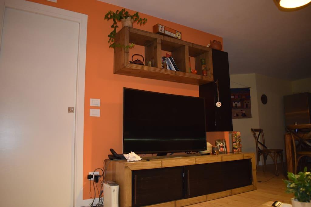 Soggiorno, Tv con mobile in bambù