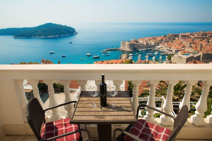 Dubrovnik Old Town & Sea View Apartment No.1
