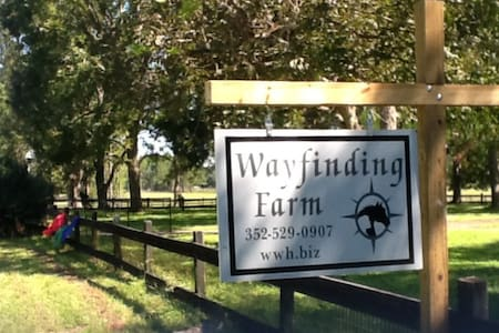 Wayfinding Farm - Williston - Huis