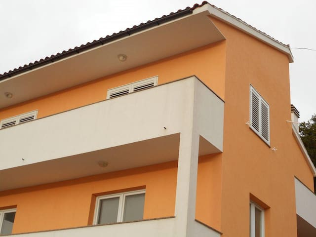 Two bedroom apartment with balcony and sea view Zaklopatica, Lastovo (A-12452-a) - Zaklopatica - อพาร์ทเมนท์