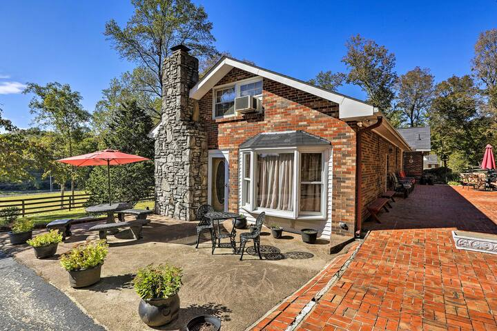 Charming Greenbrier Home w/ Furnished Patio!