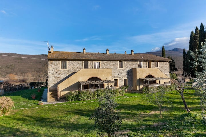 Lovely Holiday Home in Chianni with  Swimming Pool