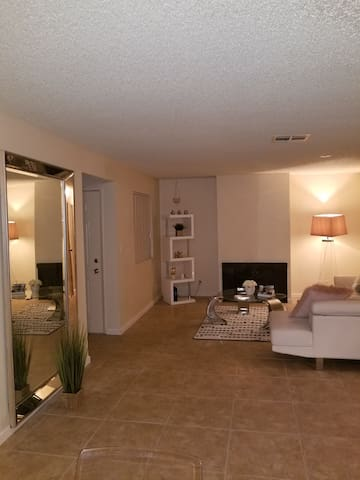 International Villas Apartments. 7minfromthe Strip