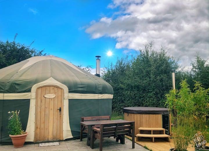 Yurt plus private hot tub at Peake's Retreats