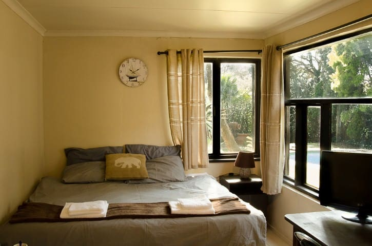 LINDEN GUESTHOUSE- no extra charge - Randburg - Pensione