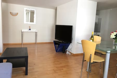 City center — Bahnhofstrasse and Rennweg in 50 mt! - Zürich - Wohnung