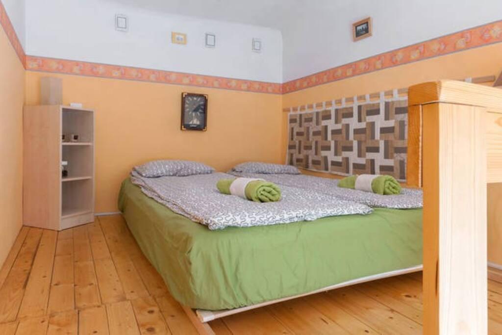 Sleep on this comfortable matress!:)