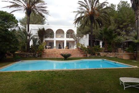 Villa Santa Eulalia - Illes Balears