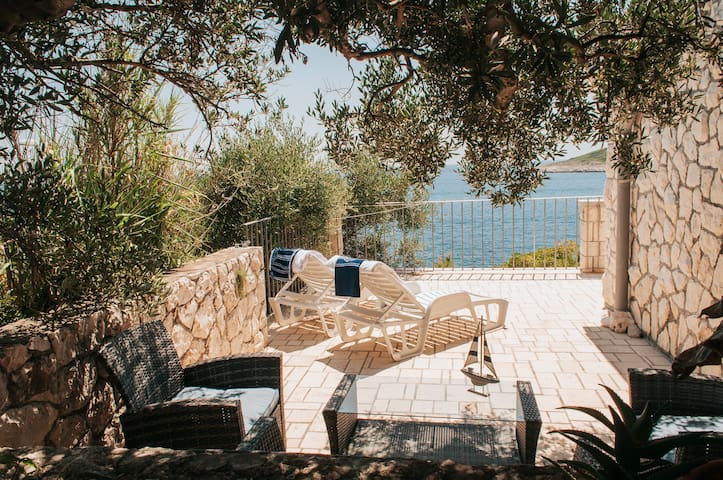 Hvar Apartment with an Olive Grove & Perfect Views