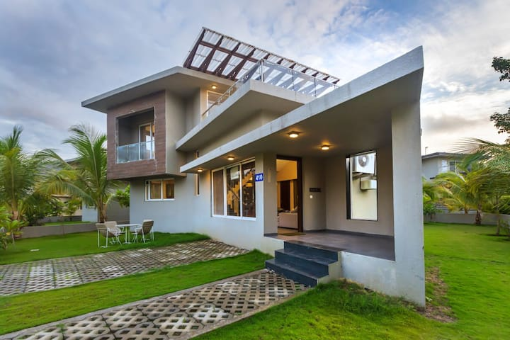 3BHK Split-Villa with Shared Pool, Spa and Gym