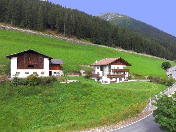 Bio Tscharfhof **wandern & Natur & relaxen**
